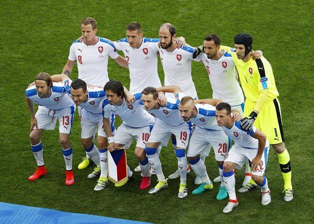 Český tým před utkáním s Chorvaty na ME.