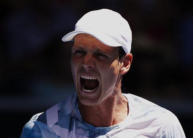 Tomáš Berdych hladce prochází Australian Open 2015. Nezastavil ho ani Srb Viktor Troicki.