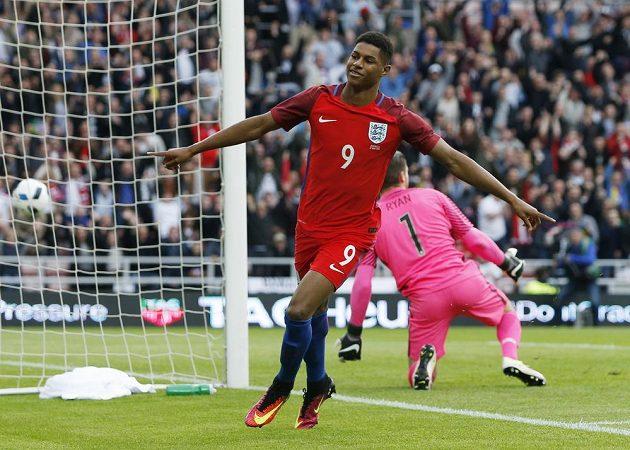 Marcus Rashford ozdobil debut v anglickém reprezentačním dresu gólem proti Austrálii.