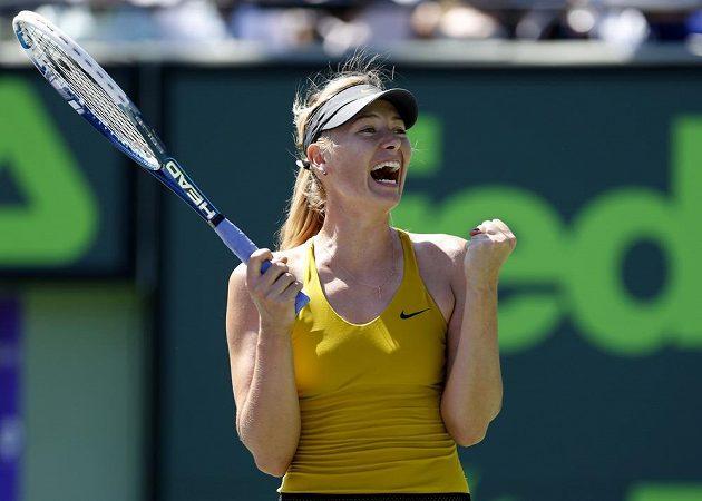Maria Šarapovová se raduje z postupu do semifinále turnaje v Miami.
