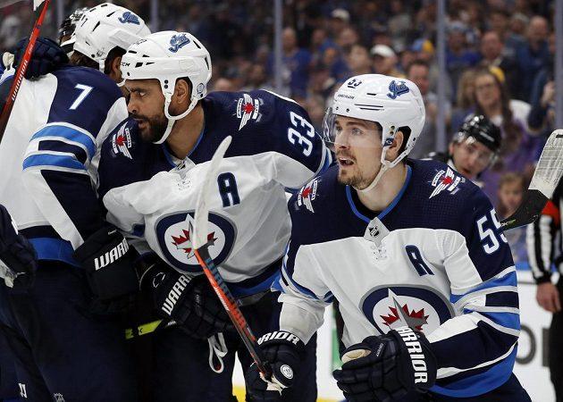 Hokejisté Winnipegu ve čtvrtém zápase série se St. Louis