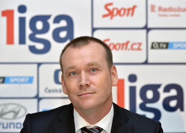 Zástupce nového fotbalového sponzora Dušan Šenkypl, ředitel společnosti ePojištění.cz.