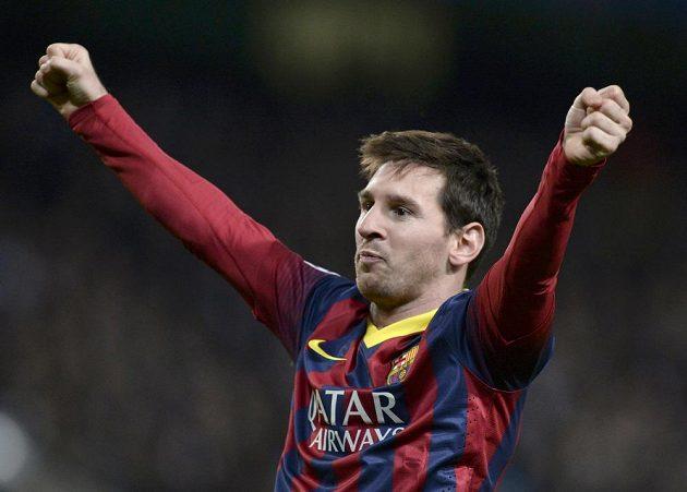 Lionel Messi slaví svůj gól v duelu proti Manchesteru City.