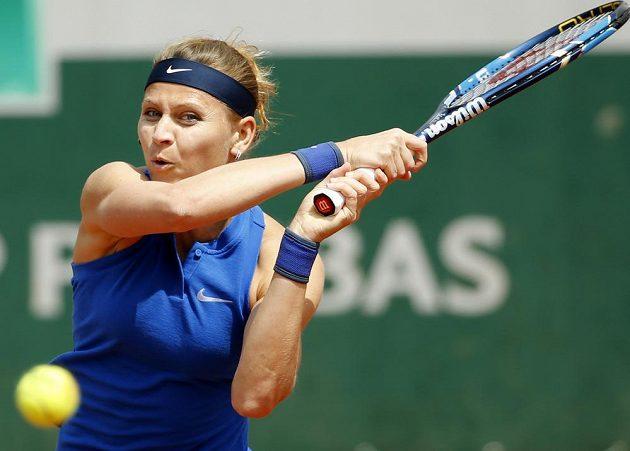 Lucie Šafářová si v druhém kole Roland Garros poradila s Viktorijí Golubičovou.