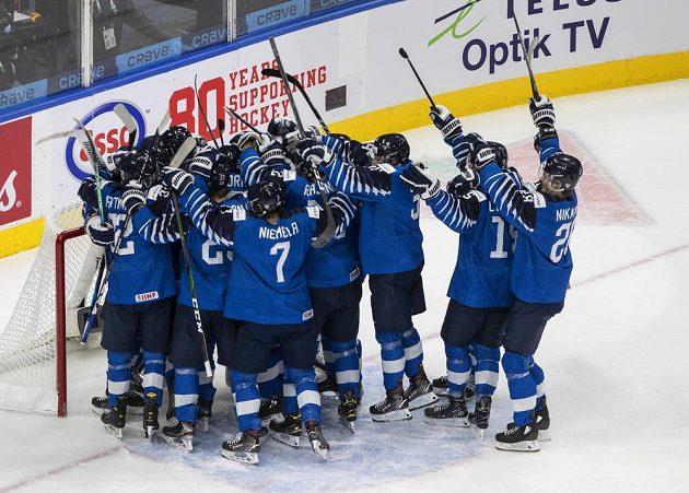 Rozhodnuto, Finové porazili Rusy 4:1 a získali na MS juniorů bronzovou medaili.