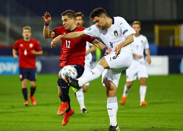 Ondřej Lingr (vlevo) v souboji s Riccardem Marchizzem z Itálie.