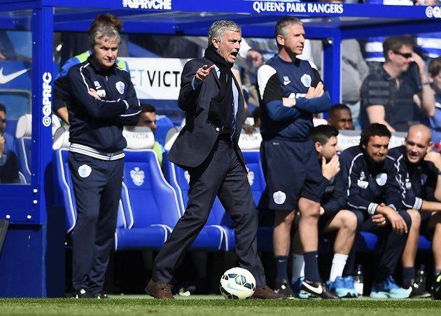 Co to pískáš?! Portugalského trenéra Mourinha opět rozzlobil verdikt rozhodčího.
