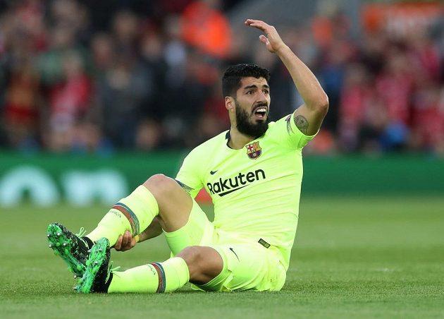 Barcelonský Luis Suárez při zápase v Liverpoolu.