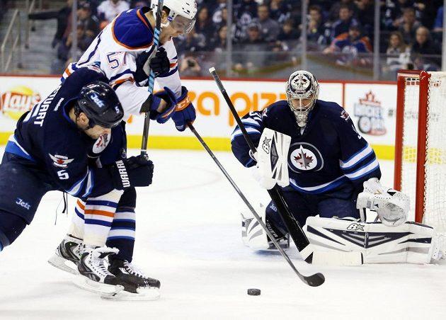 Winnipeg změnil trenéra, což se pozitivně projevilo na výsledcích týmu i Pavelcově formě.