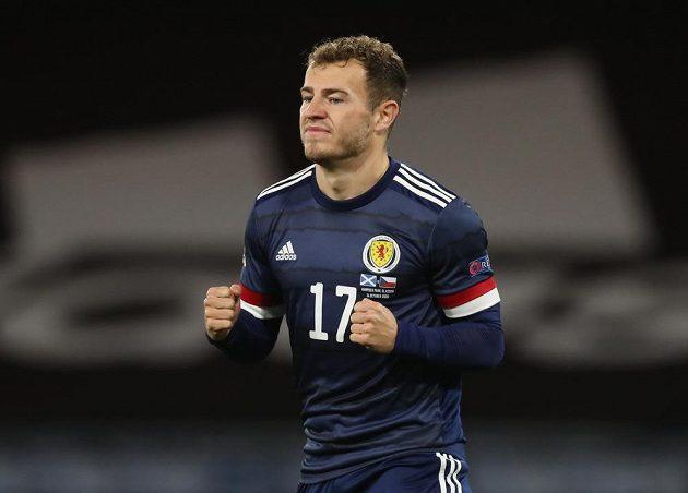 Skot Ryan Fraser se raduje z gólu proti Česku.