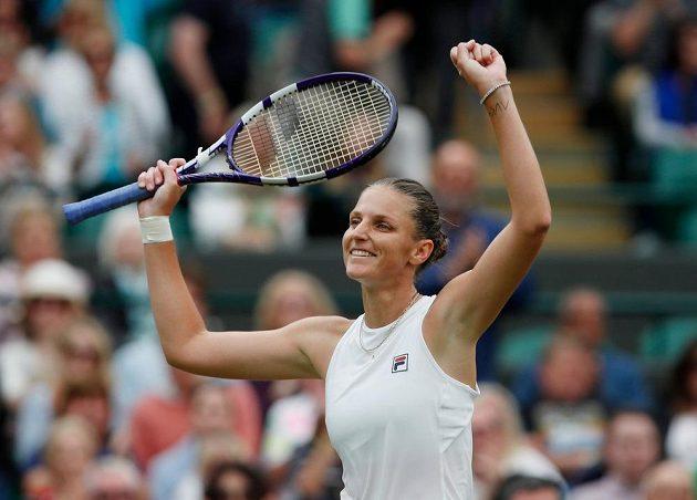 Radost Karolíny Plíškové po premiérovém postupu do semifinále Wimbledonu.