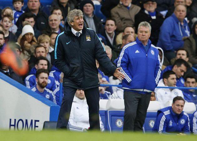 Manuel Pellegrini a Guus Hiddink přihlížejí osmifinálovému utkání FA Cupu
