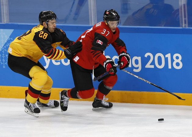 Boj o finále, Kanada bojuje s Německem.