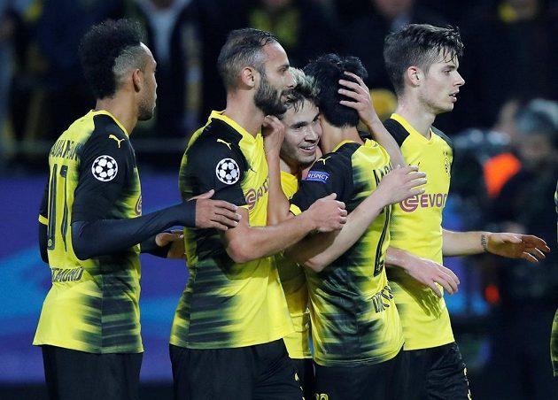 Gólová radost fotbalistů Borussie Dortmund.