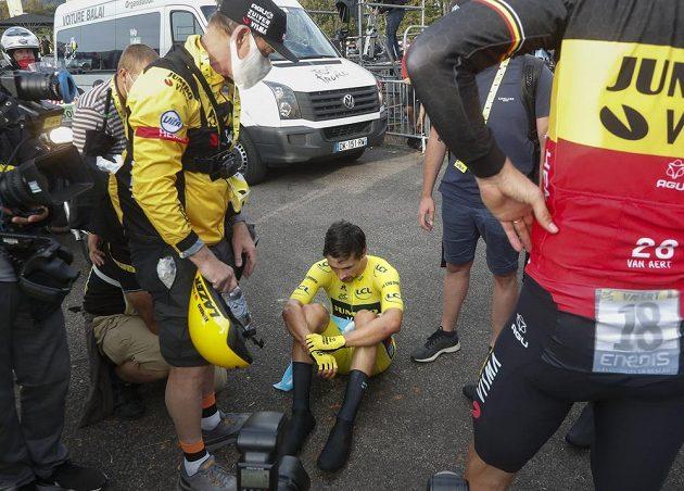 Smutek. Primož Roglič přišel o žlutý dres na Tour de France.