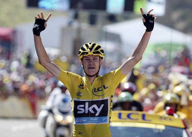 Chris Froome se raduje z etapového vítězství na Tour de France.