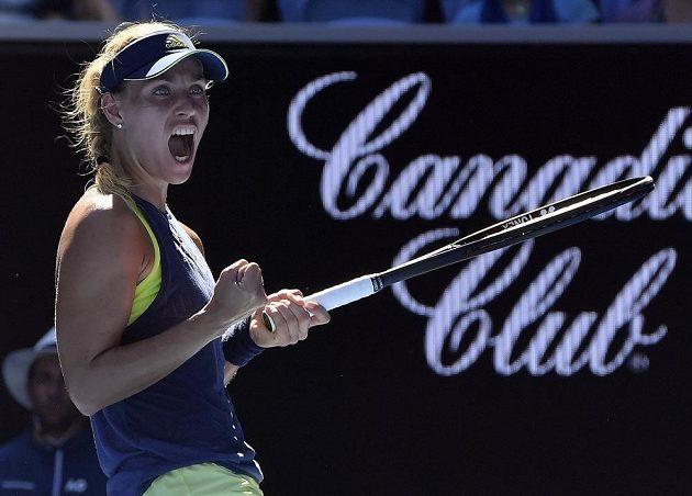 Radost Němky Angelique Kerberové po postupu do 3. kola Australian Open.
