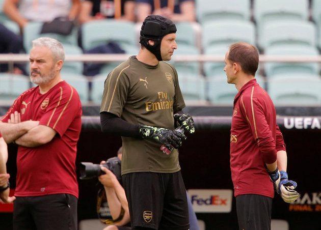 Na Olympijském stadionu v Baku se chystal na svůj poslední zápas kariéry brankář Arsenalu Petr Čech.