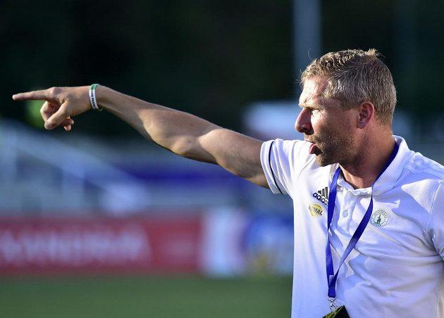 Martin Hašek diriguje svůj tým během utkání Bohemians na Dukle