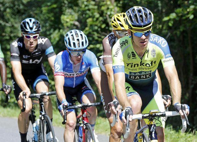 Australský cyklista Michael Rogers (vpravo) vyhrál na Tour de France úvodní pyrenejskou etapu.