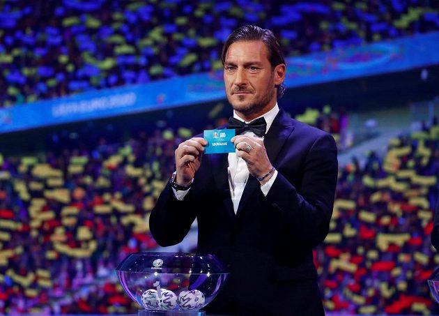 Italská fotbalová legenda - Francesco Totti - při losu EURO 2020.