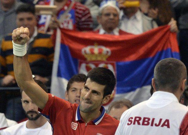 Srbská jednička Novak Djokovič v utkání proti českému reprezentantovi Tomáši Berdychovi.