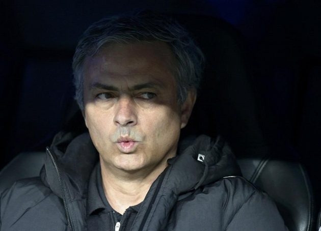 Zadumaný kouč Realu Madrid José Mourinho.