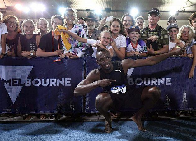 Žádané foto jamajského olympijského šampióna Usaina Bolta s fanoušky.