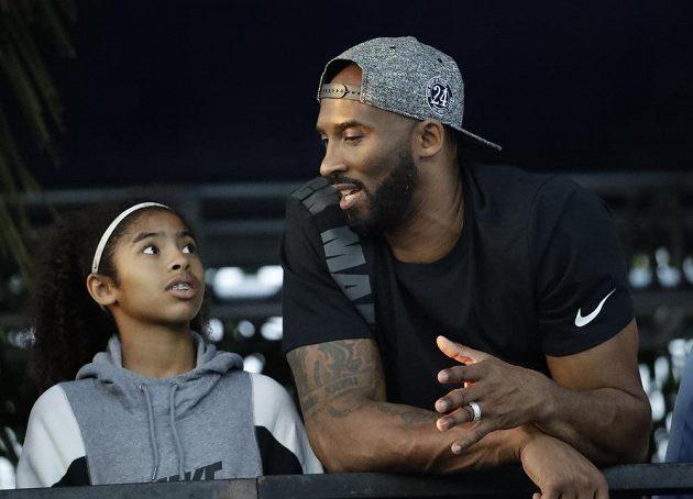 Hvězdný basketbalista Kobe Bryant s dcerou Giannou na snímku z roku 2018.