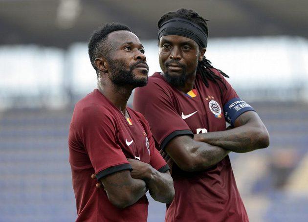 Černé sparťanské perly Guélor Kanga a Costa slaví. Oba hráči Letenských se zapsali mezi střelce, stejně jako v lize proti Příbrami. Tentokrát se prosadili v duelu s Trabzonsporem ve 3. předkole Evropské ligy.