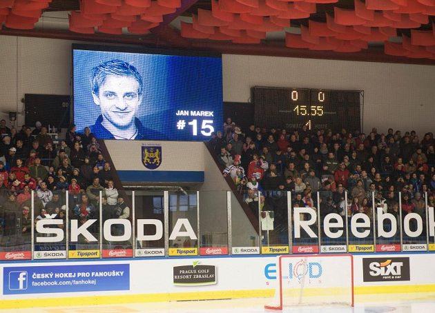 Zimní stadión v Jindřichově Hradci byl 3. dubna před utkáním hokejové Euro Hockey Challenge Česká republika - Lotyšsko pojmenován po zesnulém hokejistovi Janu Markovi.