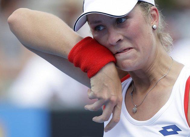 Denisa Allertová během zápasu s Alizé Cornetovou z Francie ve 2. kole Australian Open.