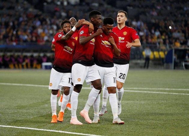 Radost fotbalistů Manchesteru United z gólu v Lize mistrů proti Young Boys.