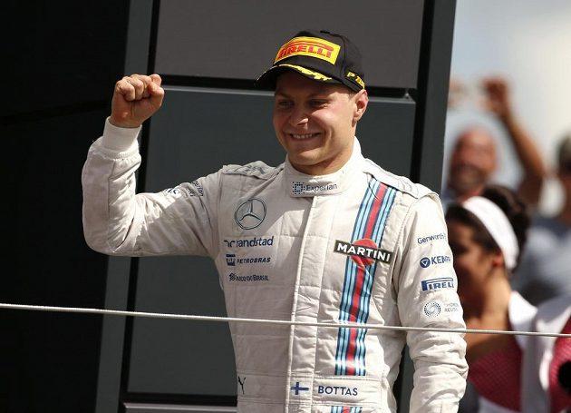 Finský pilot Valtteri Bottas si na williamsu dojel v Silverstonu pro druhé místo, o příčku vylepšil svůj životní výsledek z minulého závodu v Rakousku.