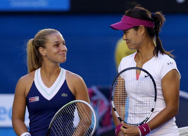 Soupeřky finálového duelu Australian Open Dominika Cibulková (vlevo) a Li Na.