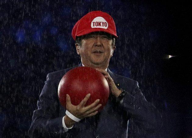 Japonský premiér Shinzo Abe při slavnostním zakončení her v Riu.