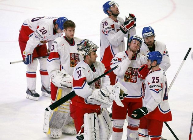 Smutek. Čeští hokejisté prohráli těsně s Kanadou a postup ze skupiny už nemají ve svých rukou.