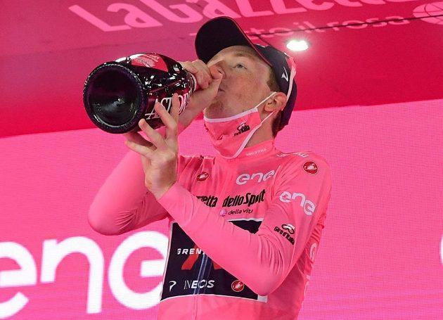 Britský cyklista Tao Geoghegan Hart vyhrál Giro d'Italia a poprvé v kariéře získal titul na některém ze závodů Grand Tour.