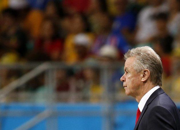 Švýcarský trenér Ottmar Hitzfeld během utkání s Francií.