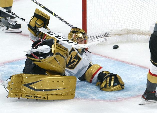 Brankář Vegas Golden Knights Marc-Andre Fleury ve třetím zápase semifinále play off NHL proti Montrealu Canadiens