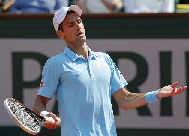 Novak Djokovič ve finále mužské dvouhry na Roland Garros.