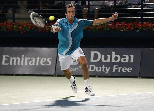 Český tenista Radek Štěpánek během utkání s Rogerem Federerem.