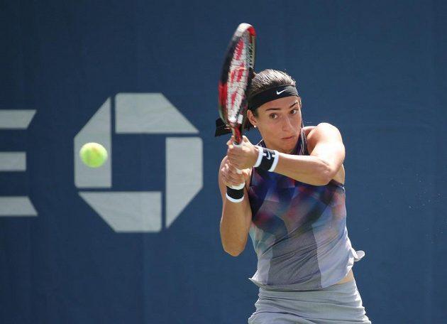 Francouzka Caroline Garciaová při utkání prvního kola US Open s Terezou Martincovou.