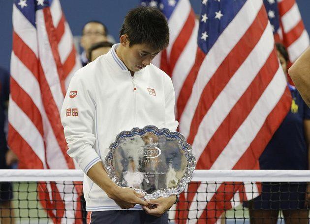 Zklamaný japonský tenista Kei Nišikori po porážce s Marinem Čiličem ve finále US Open.