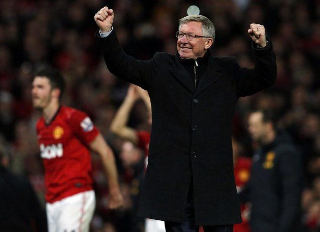 Sir Alex Ferguson se raduje z dalšího anglického titulu.