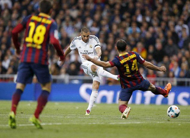 Karim Benzema střelecky táhl Real Madrid proti Barceloně.