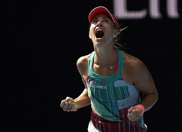Německá tenistka Angelique Kerberová slaví postup do finále Australian Open.
