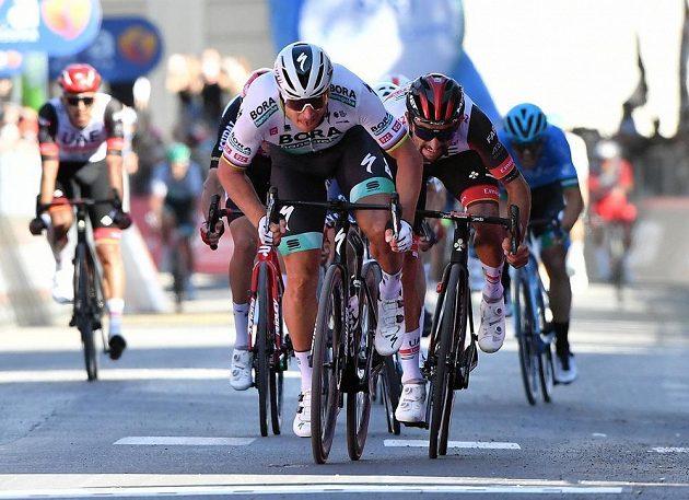 Sagan to zase nandal konkurenci. Slovenský cyklista Peter Sagan vyhrál spurterský dojezd 10. etapy na Giru d'Italia.