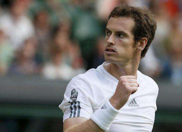 Andy Murray a jeho vítězné gesto.