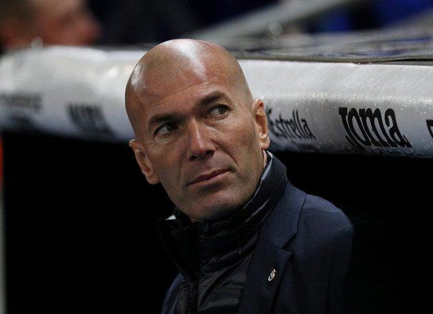 Zklamaný trenér Realu Madrid Zinedine Zidane. Jeho tým prohrál s Espaňolem 0:1.